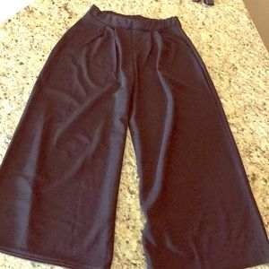 Boohoo wide leg trousers - never worn - US size 6